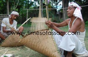 "Craftsmans making ""Jakoi"" a treditional fishing instrument in a villege onskirt of Sivasagar, Assam on 09 Jun 2011, Thurseday."