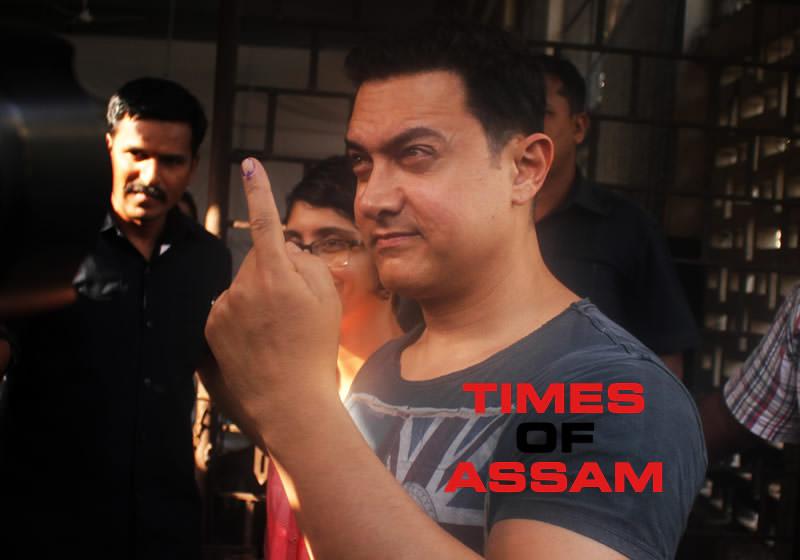 Aamir Khan casts Vote