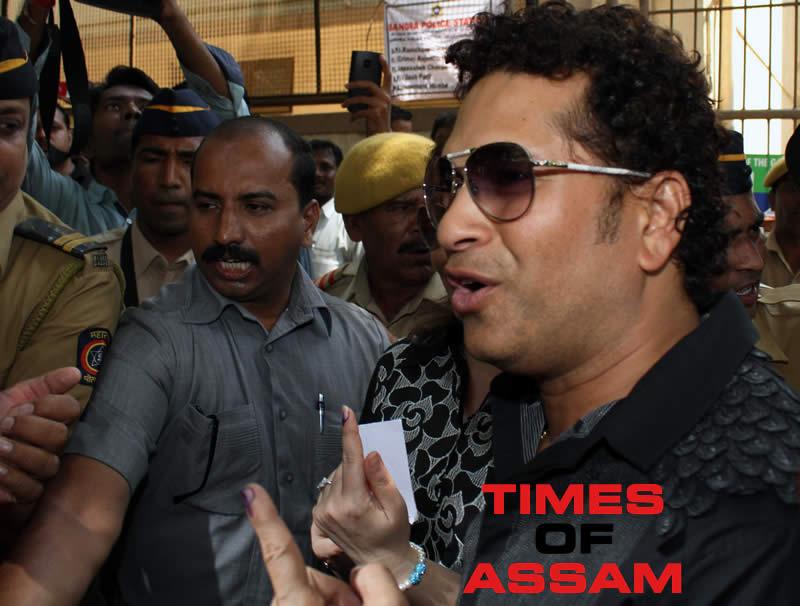 Sachin Tendulkar casts Vote